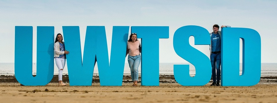 free standing polystyrene letters