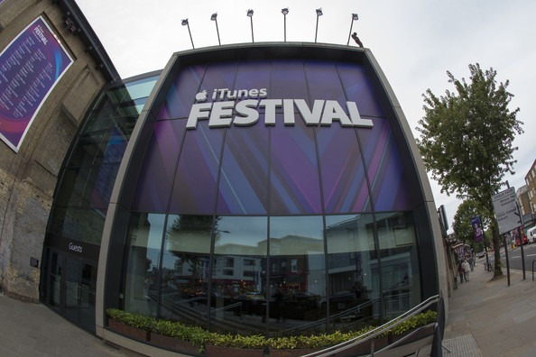 i tunes festival letters